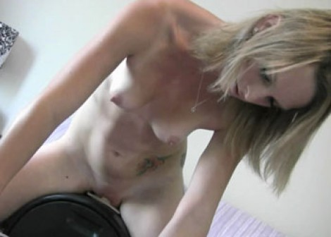 Melanie Masters plays on the Sybian