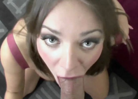 Buxom brunette Nika gets her twat stuffed
