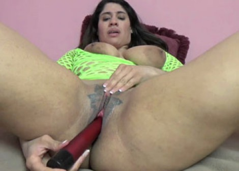 Nicole Paris uses a toy on her Latina twat