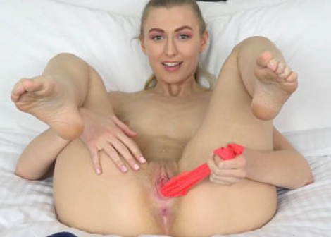 Blonde Alexa stuffs her twat with panties
