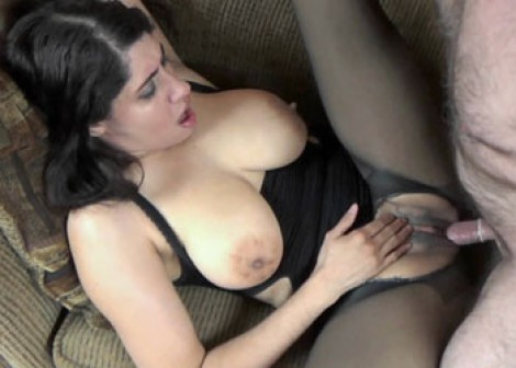 Nicole gets laid in her torn pantyhose